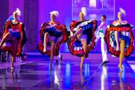 Paris can can dancers