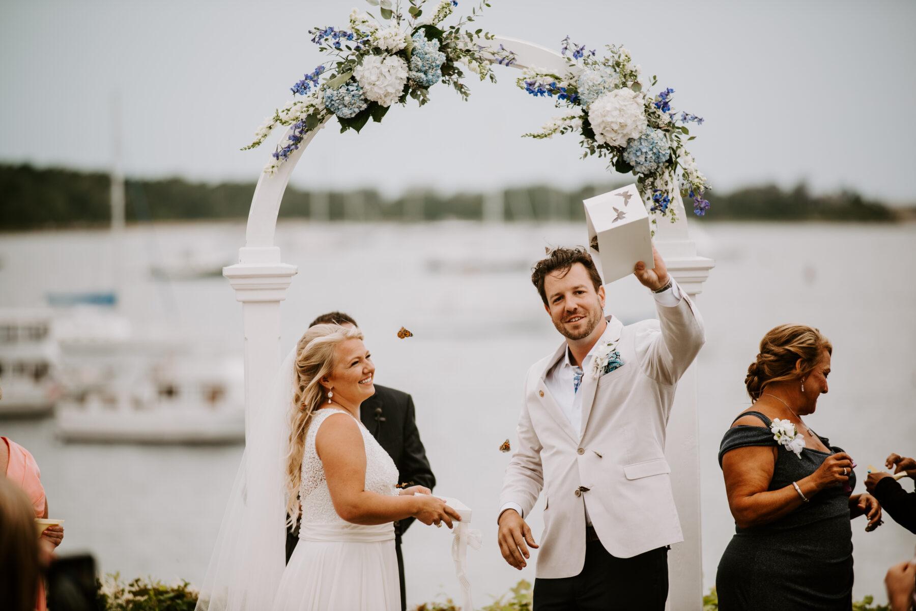 Sullivan House Block Island Wedding Amy and Nick Blueflash Photography 13