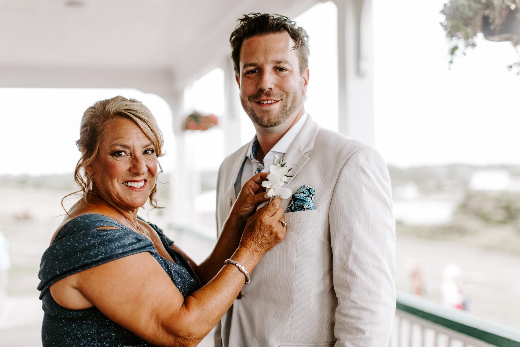 Sullivan House Block Island Wedding Amy and Nick Blueflash Photography 5