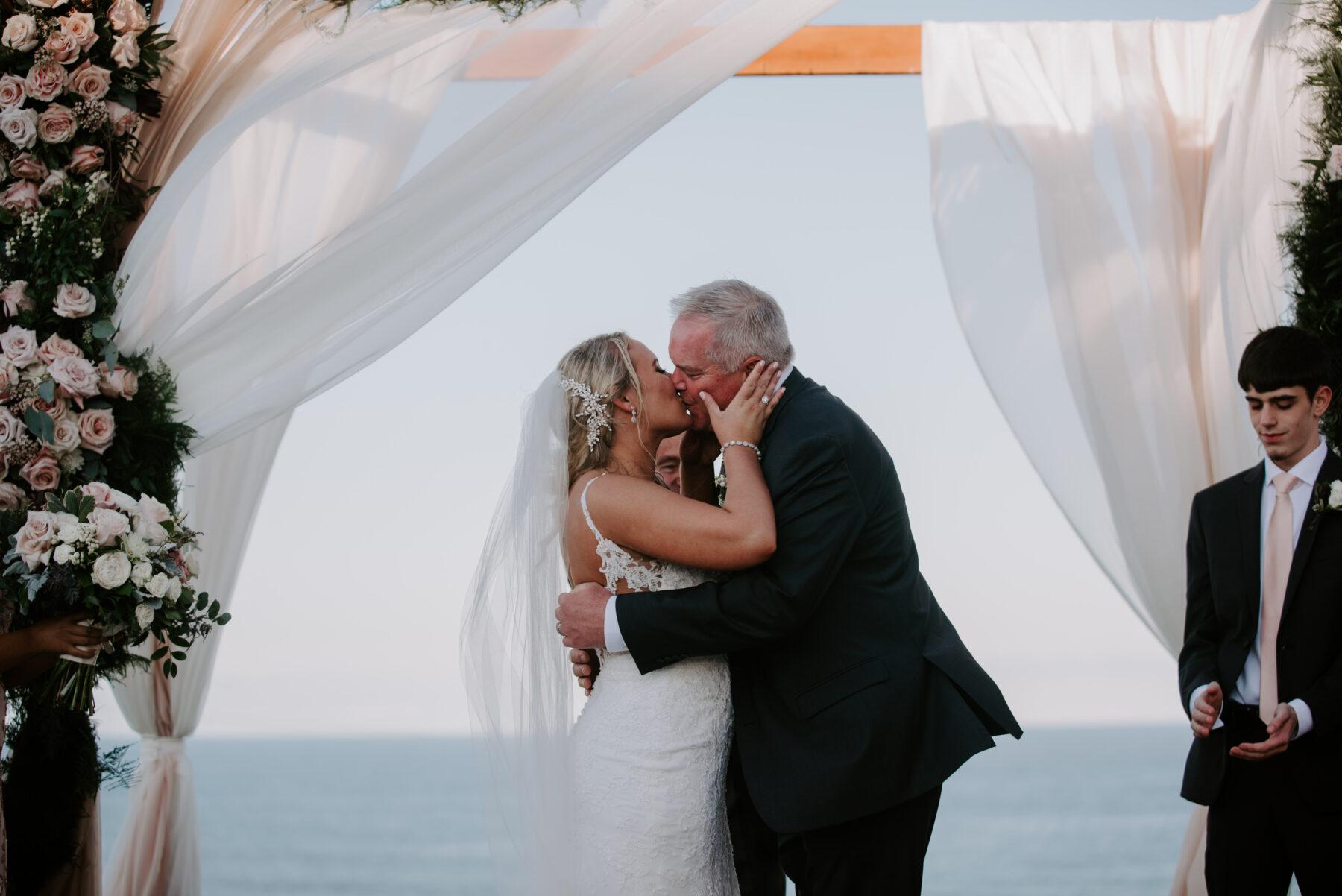 Spring House Block Island Wedding Abby and Lance Blueflash Photography 19