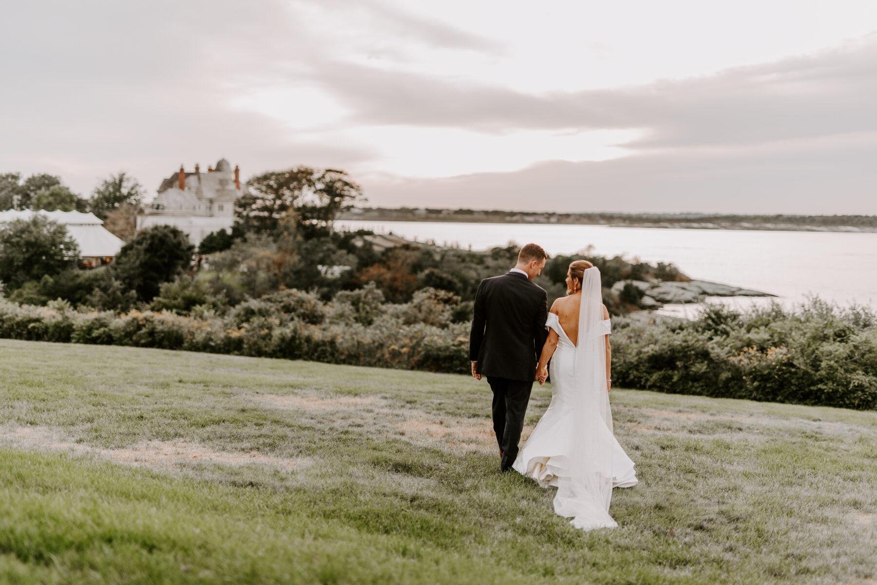 OceanCliff Newport Wedding Carley and Brian Blueflash Photography 23