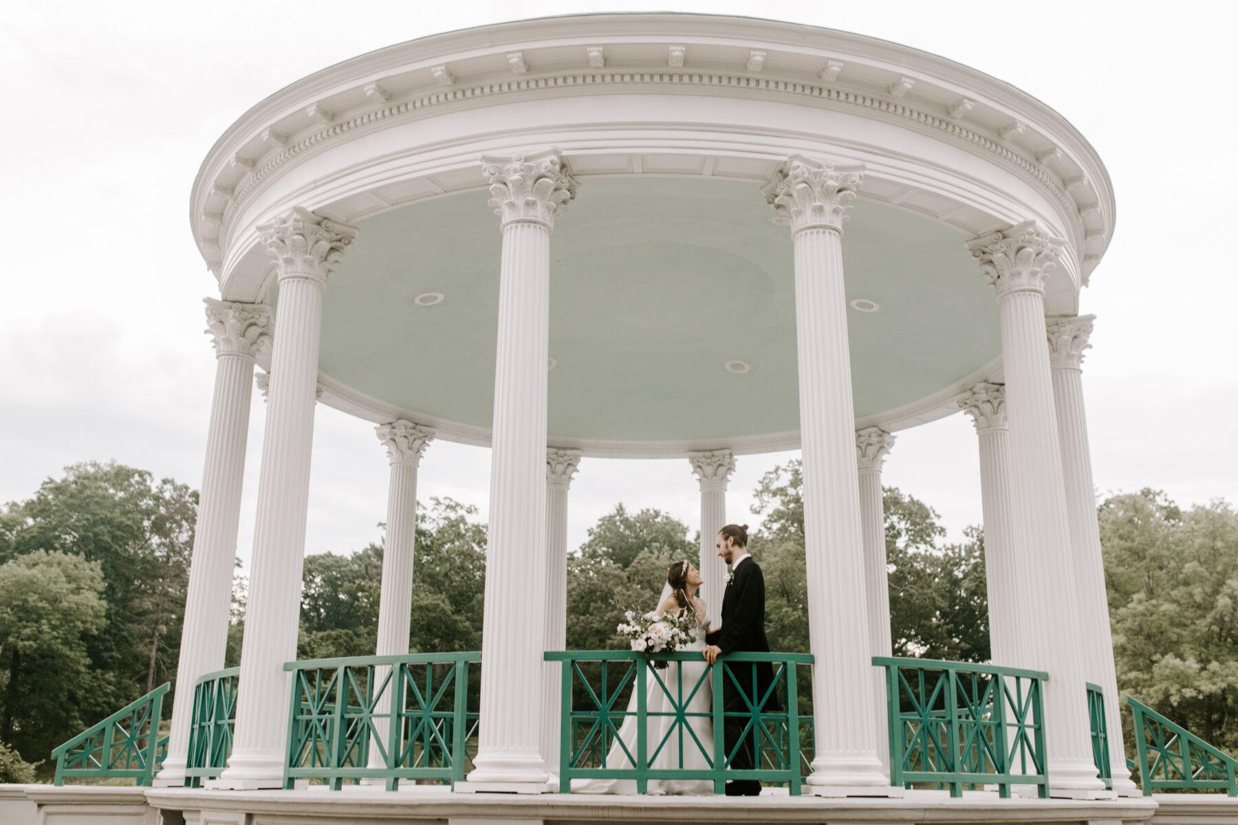 Roger Williams Casino Providence Wedding Emily and Scott Blueflash Photography 17
