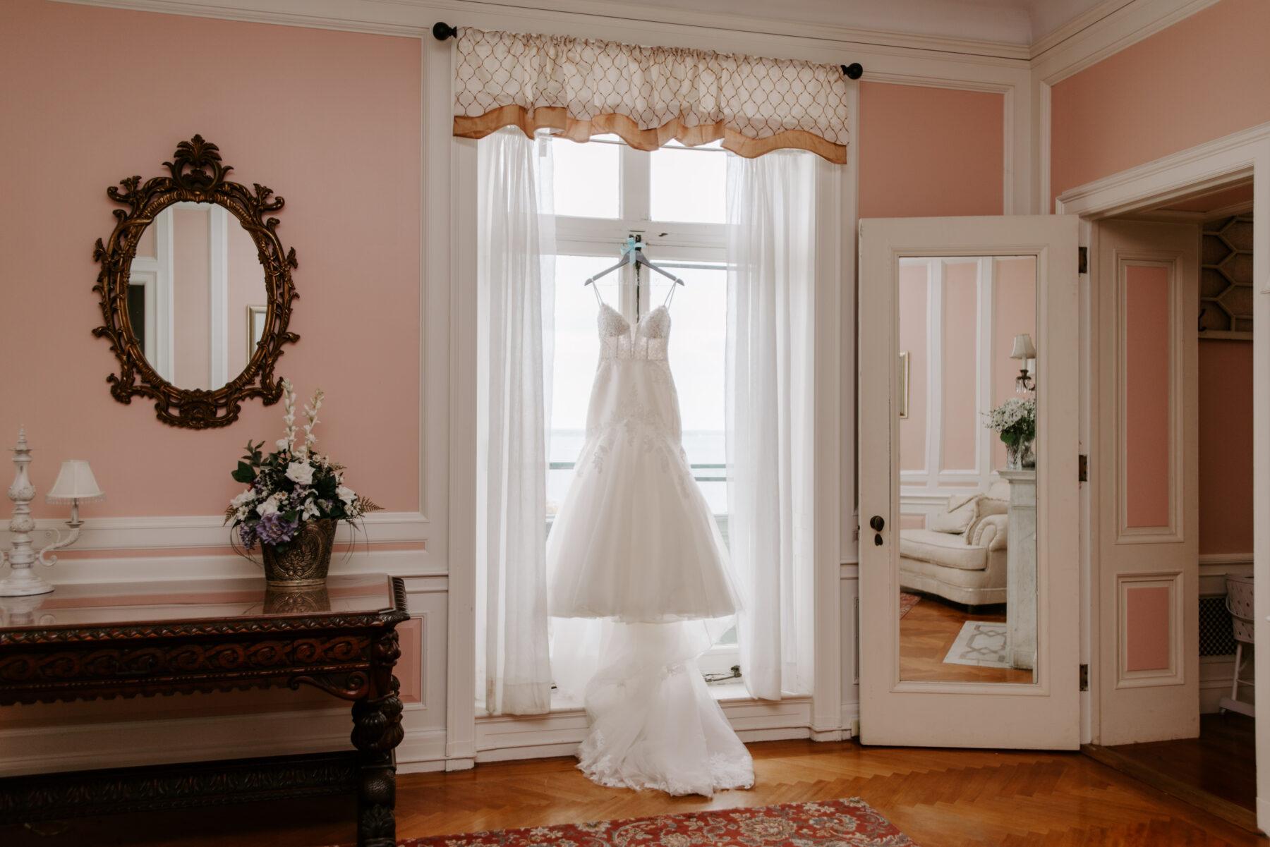 Aldrich Mansion Warwick Wedding Lauren and Paul Blueflash Photography 26
