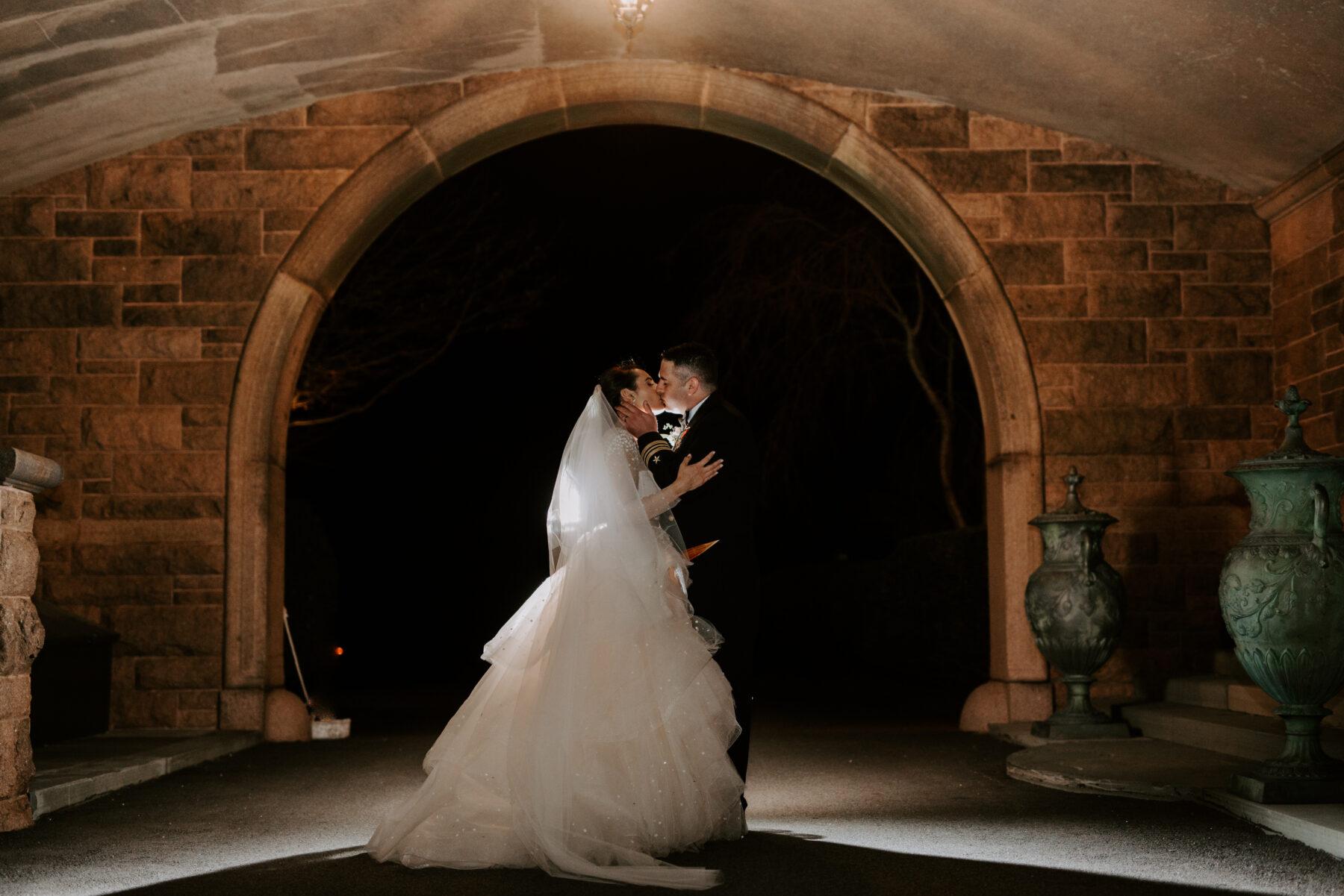 Oceancliff Newport Wedding Danielle and Scott Blueflash Photography 20