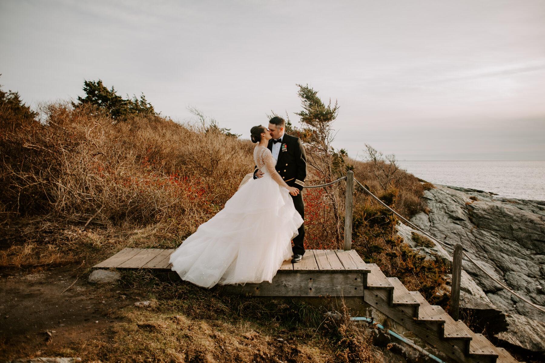 Oceancliff Newport Wedding Danielle and Scott Blueflash Photography 8