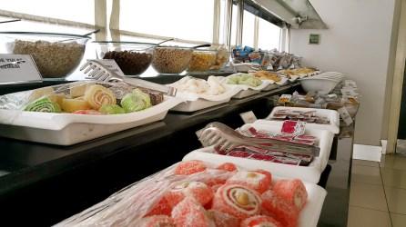 antalya açıkbüfe kahvaltı konyaaltı denize kenarında oteller best breakfast in antalya (81)