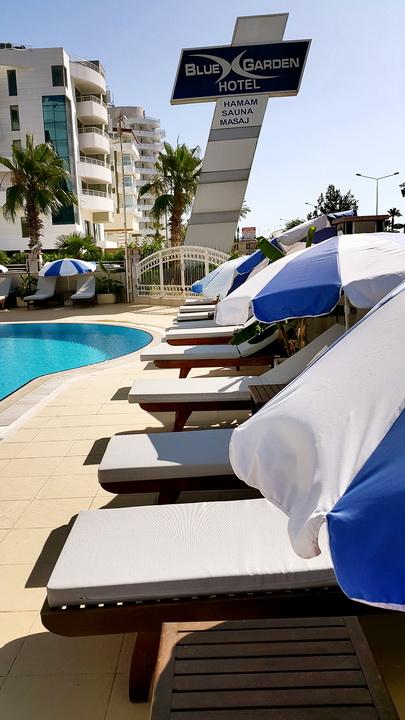 antalya yüzme havuzu konyaaltı sahilde oteller blue garden hotel (26)
