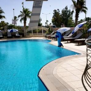 antalya yüzme havuzu konyaaltı sahilde oteller blue garden hotel (28)