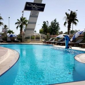 antalya yüzme havuzu konyaaltı sahilde oteller blue garden hotel (29)