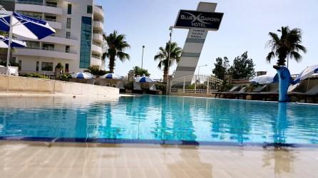 antalya yüzme havuzu konyaaltı sahilde oteller blue garden hotel (31)
