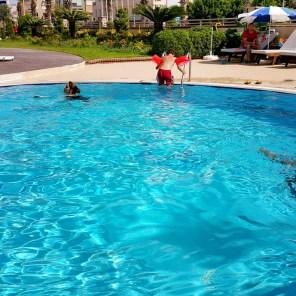 antalya yüzme havuzu konyaaltı sahilde oteller blue garden hotel (45)