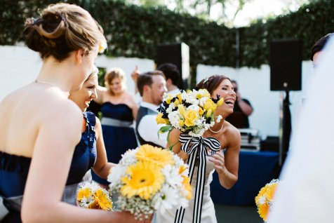 Fun moment caught of bride and her maids