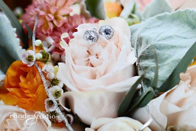 Bridal bouquet with jewelry