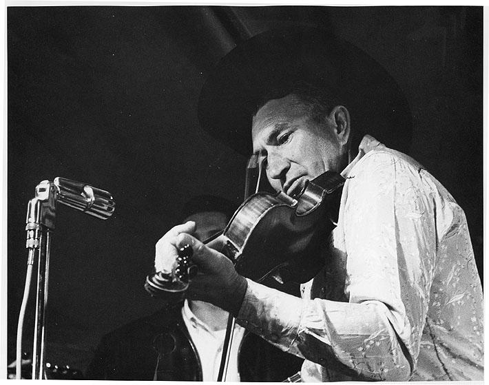 Dean Trammel, fiddle