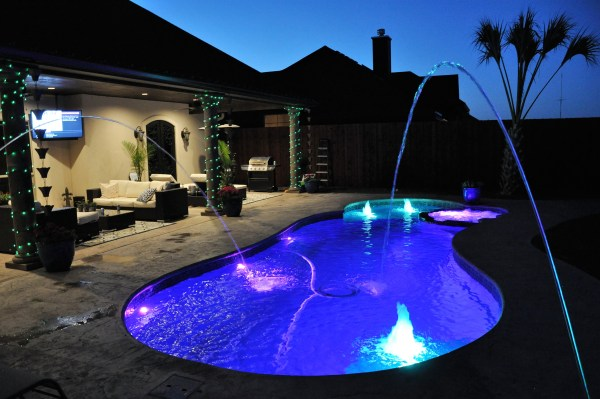 Fiberglass Swimming pool Builder Michigan