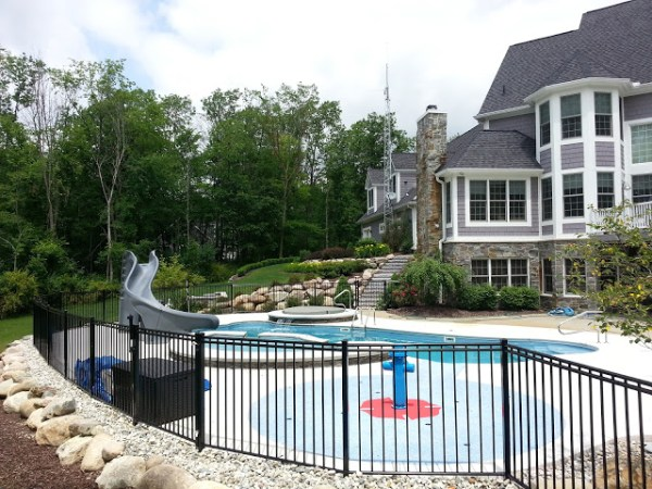 in ground swimming pool builder Michigan Clarston, Milford, Fenton, Oxford, Lansing, Shelby Mi. inground Swimming pool Installation Clarkston Michigan Swimming Pool Sale www.bluehawaiianpoolsofmichigan.com 13-3