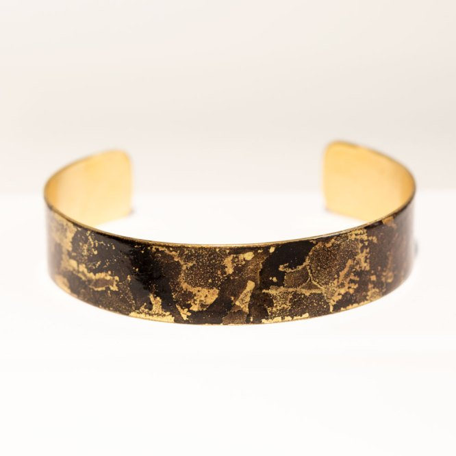 Black & Gold Mini Band front view.