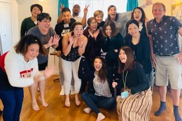 午前中クラスの生徒さんみんなで集合写真。A group photo with morning classes students!