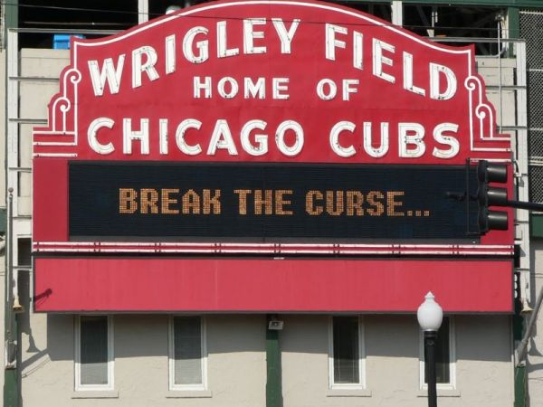 chicago_cubs_wrigley_sign-1475185395-6435