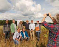 Foto-www.enrico.roehner-Projektpartner-vor-der-MAZ-Kamera-