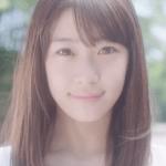 桃の天然水スパークリングCMの女の子は誰?女優が超かわいい!