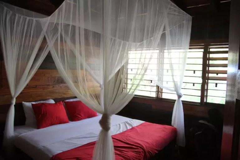 room-at-Huracan-Divingbl
