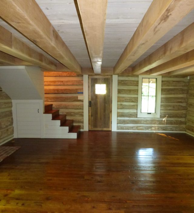 Living Area - Reclaimed Heart Pine Floors