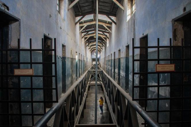 v zaporu