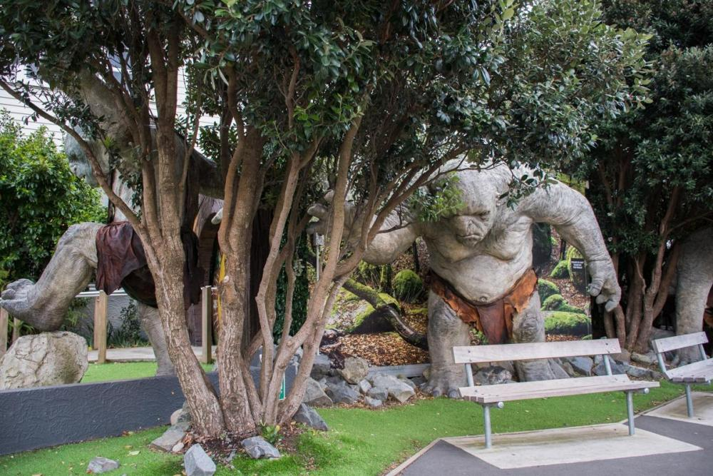 Troll from the Lord of the Rings in front of Weta Cave Studios