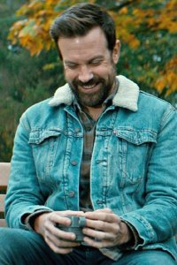 Jason Sudeikis as a slightly manic Oscar.