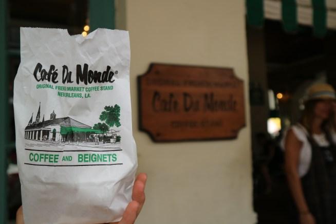 カフェ・デュ・モンド(Cafe Du Monde)