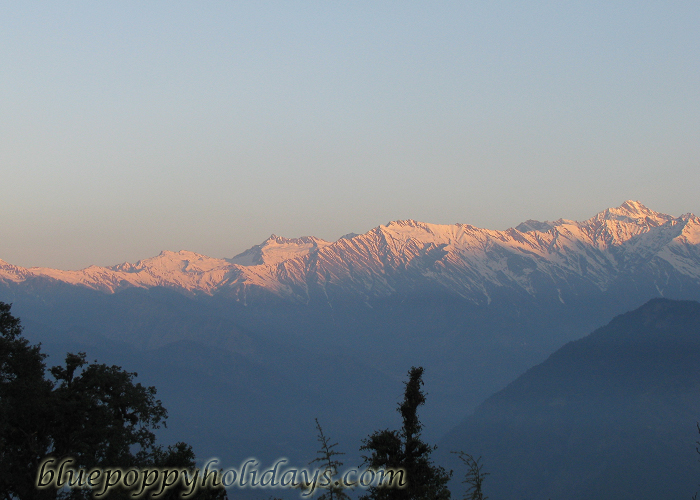 Garhwal Himalyan Range on fire sunrise view from ChotpaGarhwal Himalyan Range on fire sunrise view from Chotpa