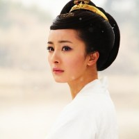 2nd show I watched that starred Yang Mi.Tang Gong Mei Ren Tian Xia.
