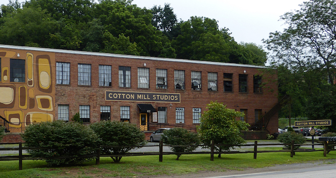Exterior of Cotton Mill Studios in Asheville River Arts District