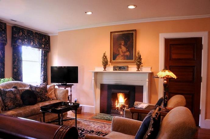 Black Walnut Bed & Breakfast Inn with fireplace in Asheville NC