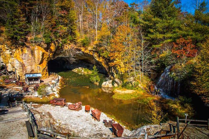 Bon Ami Mine Tours at Emerald Village in Little Switzerland NC