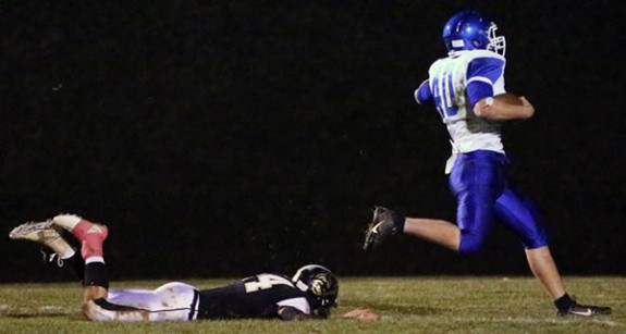 Story of the night: Jeremy Nelson of the Auburn Eagles running for another touchdown.