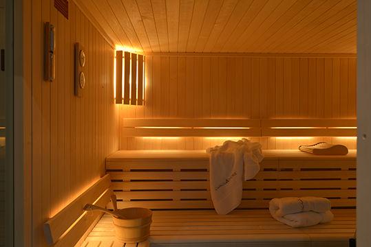 healthy food yoga retreat chamonix mont blanc alps vegan vegetarian hiking retreats spa hot tub sauna