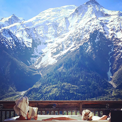 Europe, Yoga, Retreat, Chamonix, Mont, Blanc, France, Luxury, Chalet, spa, hot, tub, detox, evasion, hiking, meditation, alps, wellness, health, healthy, food, mountain, travel, mountains, retreats, holistic, holiday, hike, walking, hikes, wellbeing, mindfulness, retreats, retraite, retraites, bien-être, sain, santé, jacuzzi, pleine, conscience, randonnée, montagne, relaxation, méditation, forêt, vegetarien, repos, detente