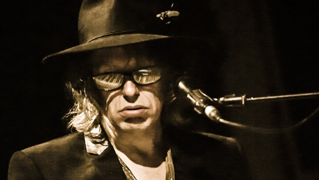 Tonight in Cardiff The Waterboys Never Out Of The Blue
