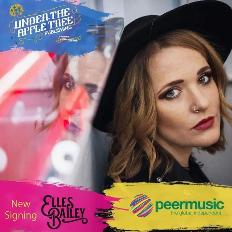 Elles Bailey Shouts Out Her Exciting News