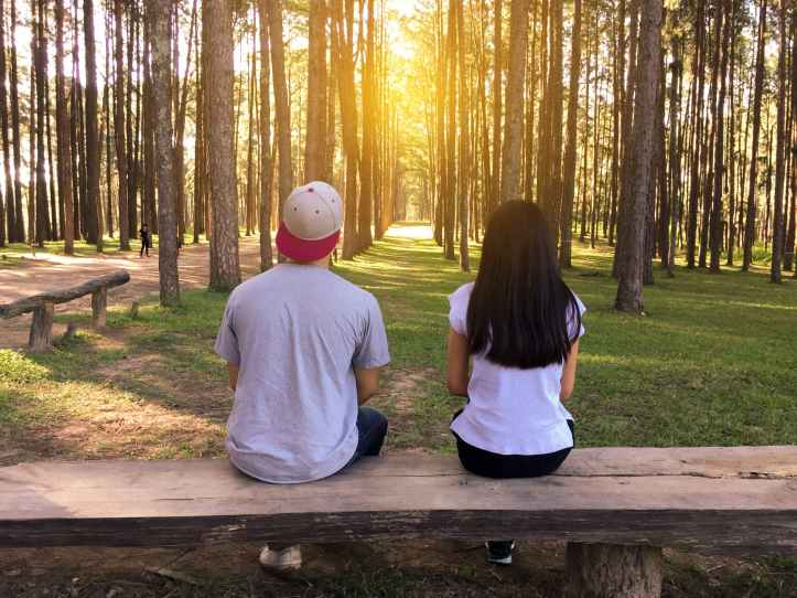 bench countryside couple dating