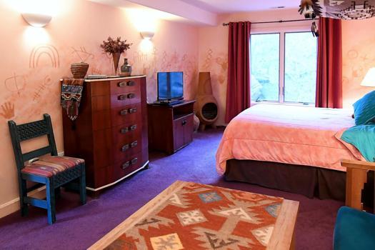 rock art suite bed  breakfast blue skies inn