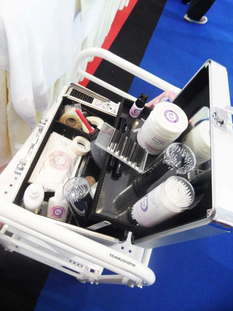 The eyelash extension equipments
