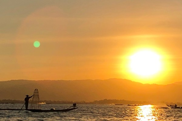 How to get from Bagan to Inle Lake? Make your journey with various transport methods in Myanmar.