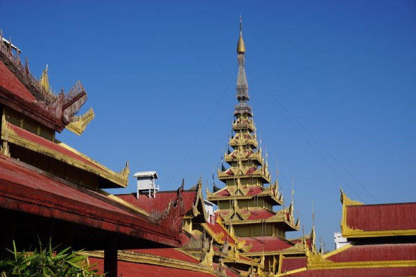 A half day city tour in Mandalay in tuk tuk