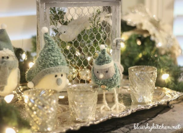 Holiday Home Tour Blog Hop Shares Cozy at Christmas brought to you 30+ bloggers sharing beautiful holiday home decorations and ideas.