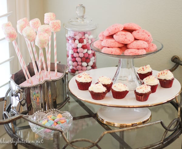 How to Host a Valentine Brunch for Your Girlfriends ~ from a welcoming drink and an awesome menu to sweet desserts and pretty decorations.
