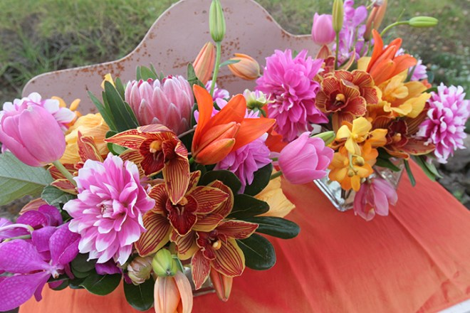 vibrant maui flowers for wedding