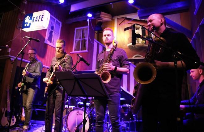 Joakim Tinderholt & His Band avsluttet kvelden.